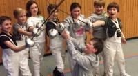 Das letzte Turnier der Saison für die Schüler des LSV waren am Wochenende vor den Ferien die diesjährigen Rheinischen Mannschaftsmeisterschaften. Austragungsort war die Sporthalle der Anne-Frank-Gesamtschule in Düren. Nach einer […]